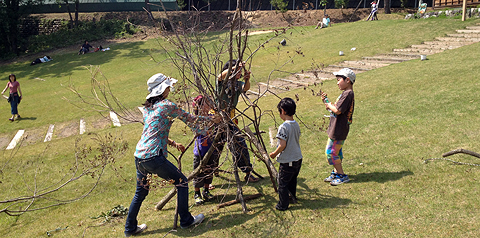 木の枝造形遊び