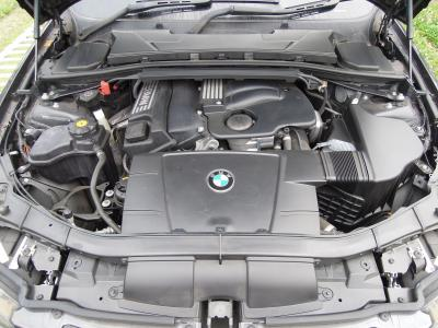 BMW 3201 Engine 1