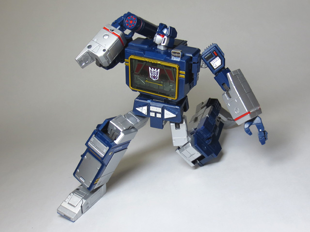 MP13_Soundwave_09.jpg