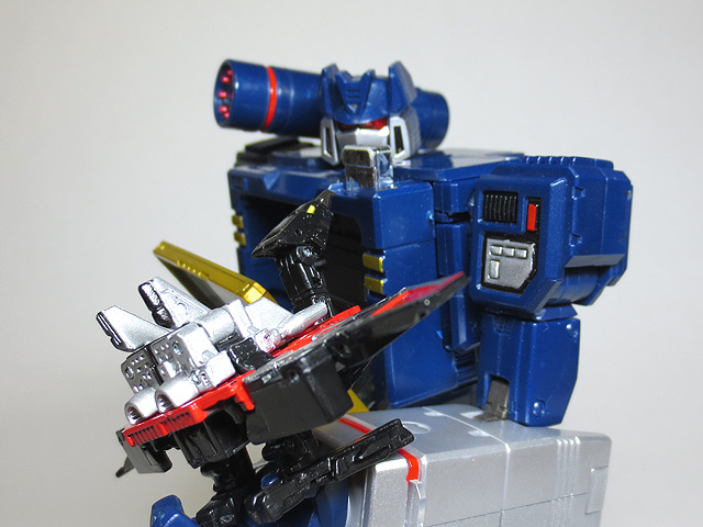 MP13_Soundwave_30.jpg
