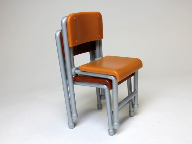 The_desk_and_chair_of_a_school_10.jpg