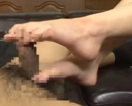 ムラムラくる女性の生足美脚で痴女足コキされちゃうのサンプル画像6