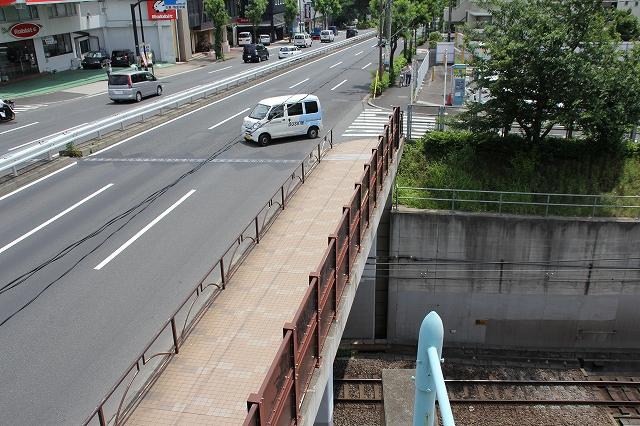 環8を跨ぐ歩道橋