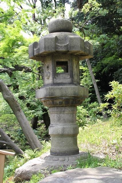 泰平型灯籠