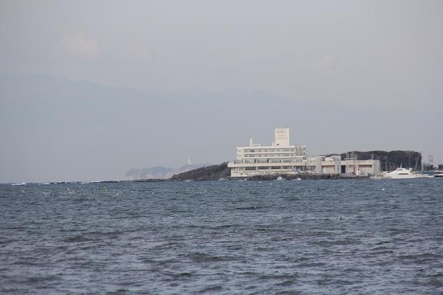 遠く江ノ島を望む_2