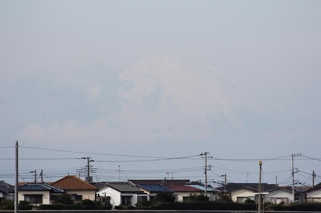 霞んでいる富士山_2