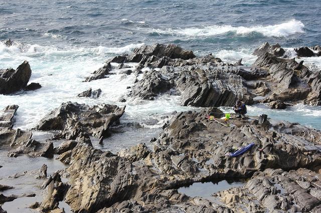 潮騒の丘の下の岩礁_6