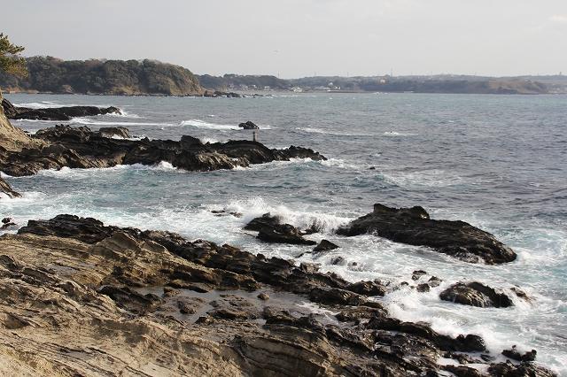 潮騒の丘の下の岩礁_9