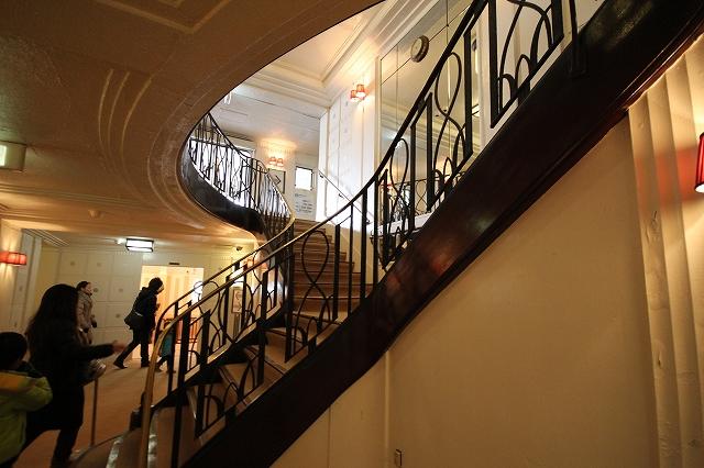 雰囲気のある階段_2