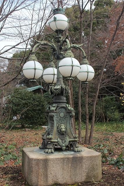 皇居正門石橋旧飾電燈
