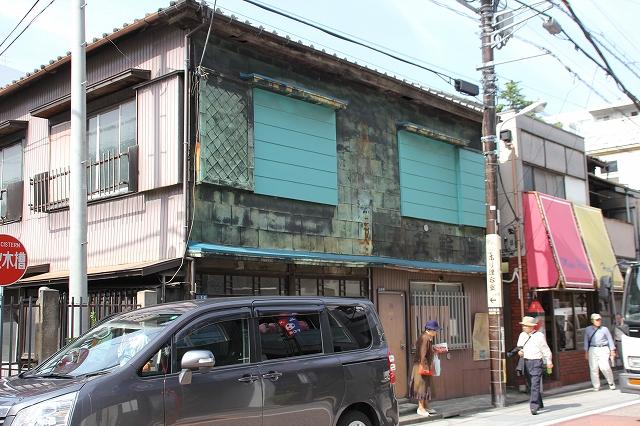 街道沿いで目立った建物他_5