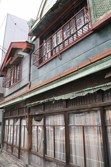 街道沿いで目立った建物他_3