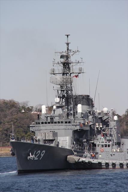 護衛艦やまゆきの出港の様子_8