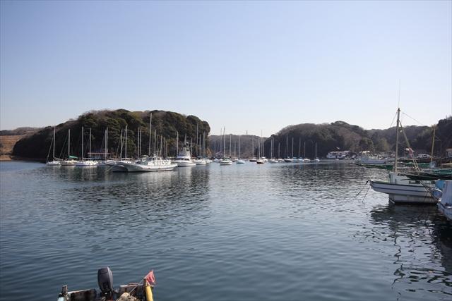 湾内に停泊中のヨット・漁船など_5
