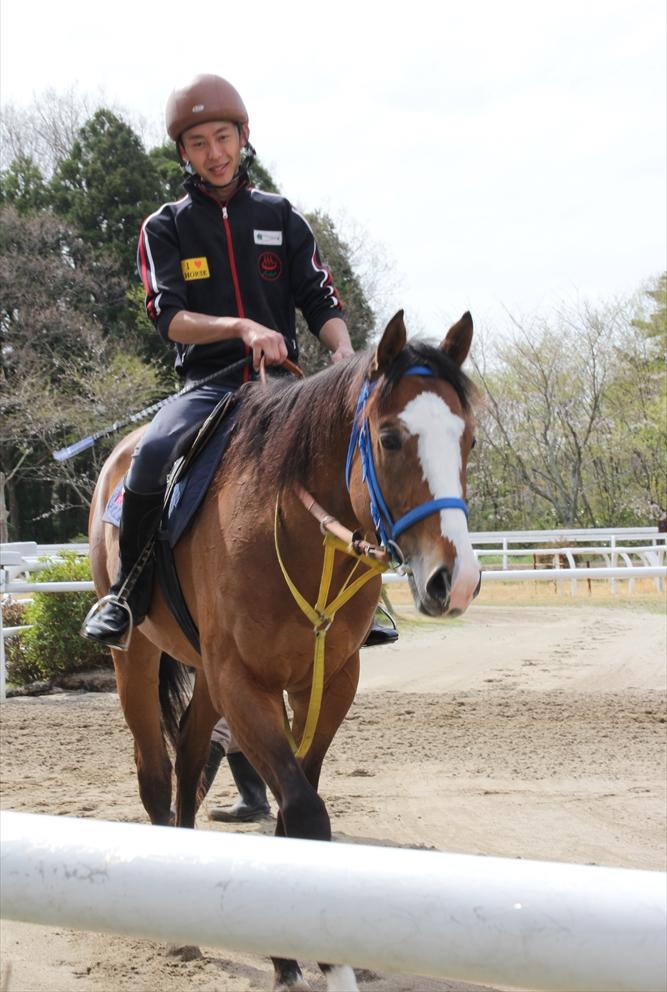 馬場でのトレーニング光景_3