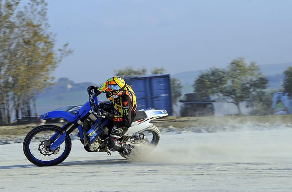 Valentino_Rossi_Dirt_Track.jpg