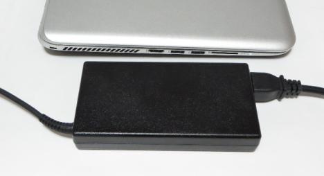 720x460_TouchSmart 15-j007TX_ACアダプター_02