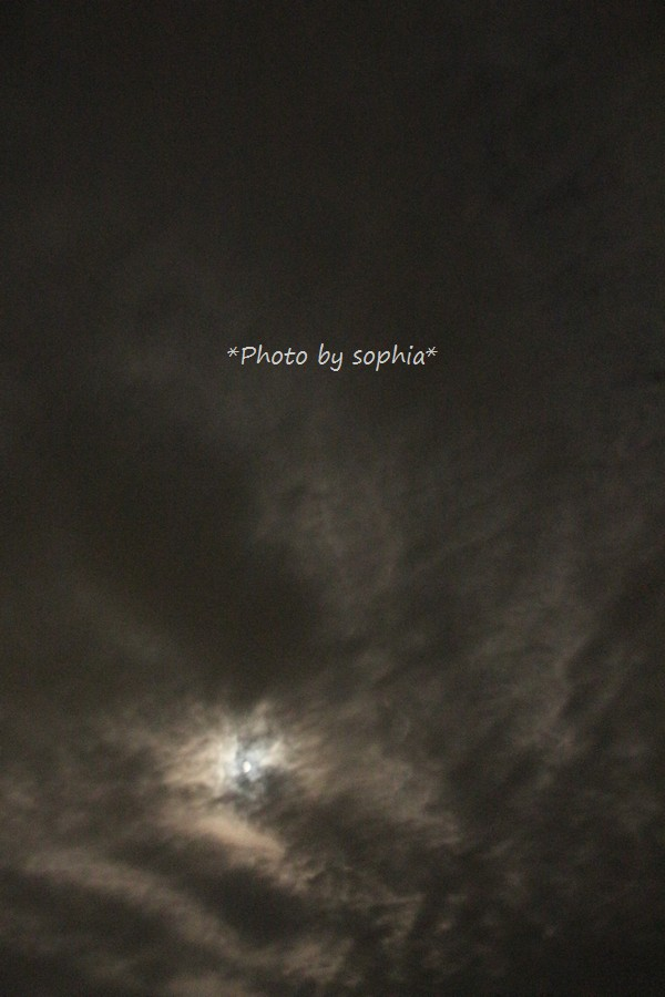 夜だって秋の雲