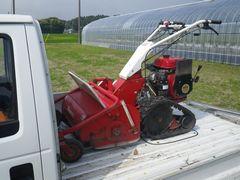 [写真]自走式草刈り機