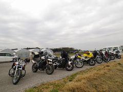 [写真]オートバイの団体御一行様が来園した様子