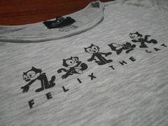 [写真]27年前から着ている FELIX のTシャツ