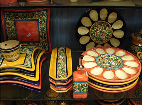 Sevillaの有名なトリアナ窯のセラミカ(陶器)イスラム統治時代から伝わった有名な伝統